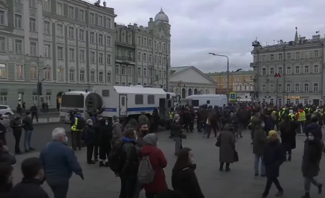 В подкрепа на Алексей Навални хиляди в Русия излязоха на протести