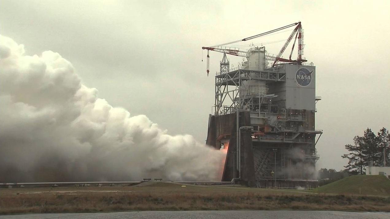 Nasa успешно тества най-мощната ракета в света