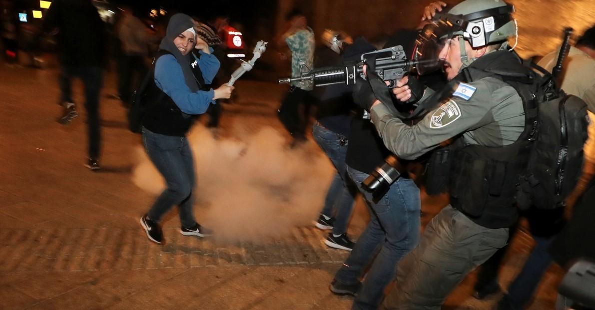 Сблъсъци между палестинци и израелската полиция