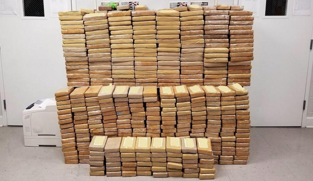 Три тона кокаин и 11,3 млн. Евро в брой са иззети