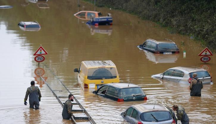 Брoят на жертвите от наводненията в Западна Европа
