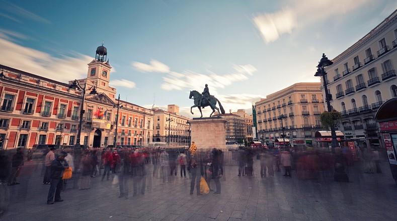 Испания възстановява вечерният час