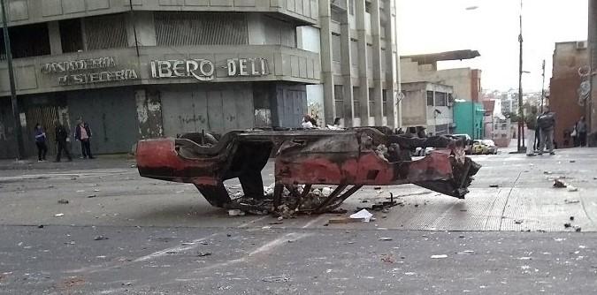 Сблъсъците между полицията и бандите в Каракас