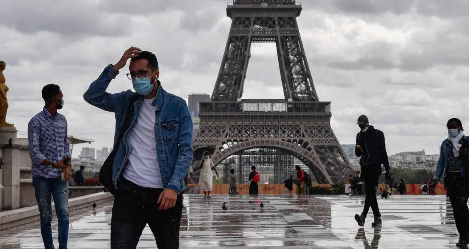 Французите бързат да бъдат ваксинирани