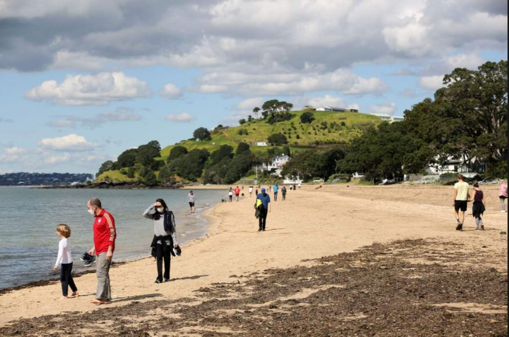 Нова Зеландия страда от най-горещата зима в историята си