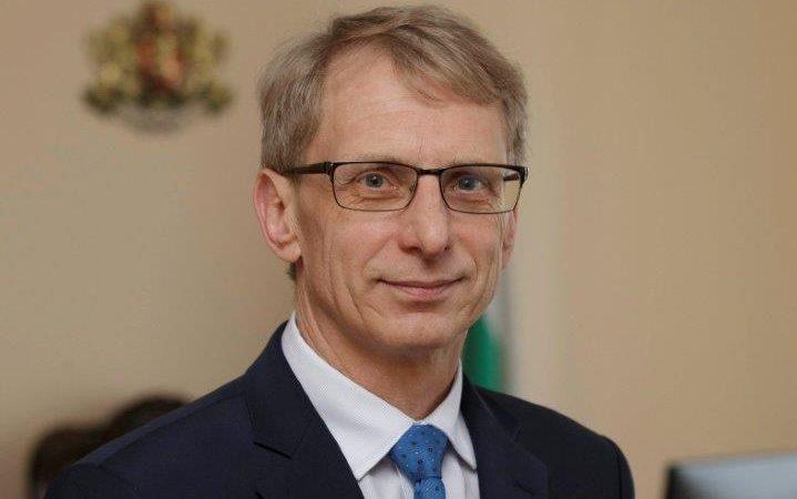 министъра Николай Денков