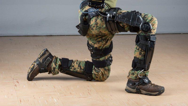 екзоскелет за войници